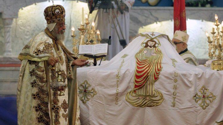 Một cử hành phụng vụ của Giáo hội Chính thống (ANSA)
