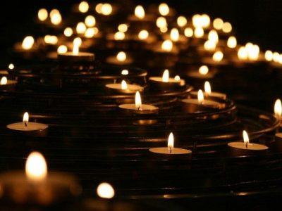Cầu nguyện cho các tín hữu đã qua đời